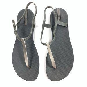 Ipanema T-strap Sandal size 9